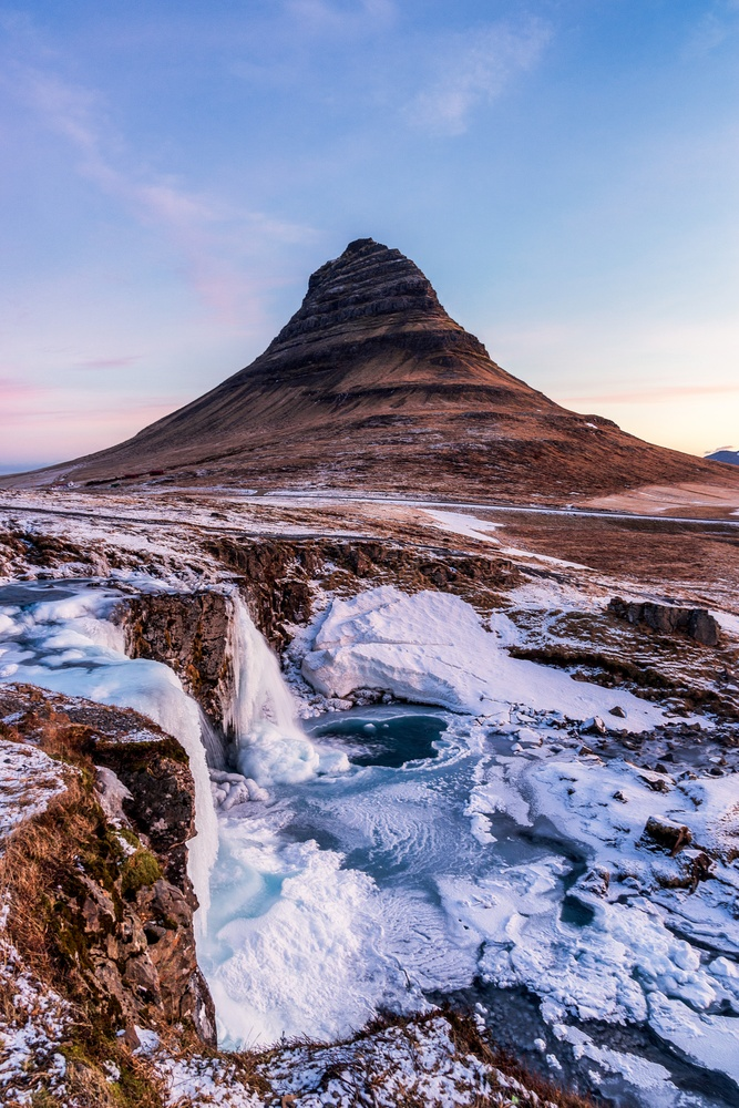Kirkjufellsfoss portriat by Vincent Castillo
