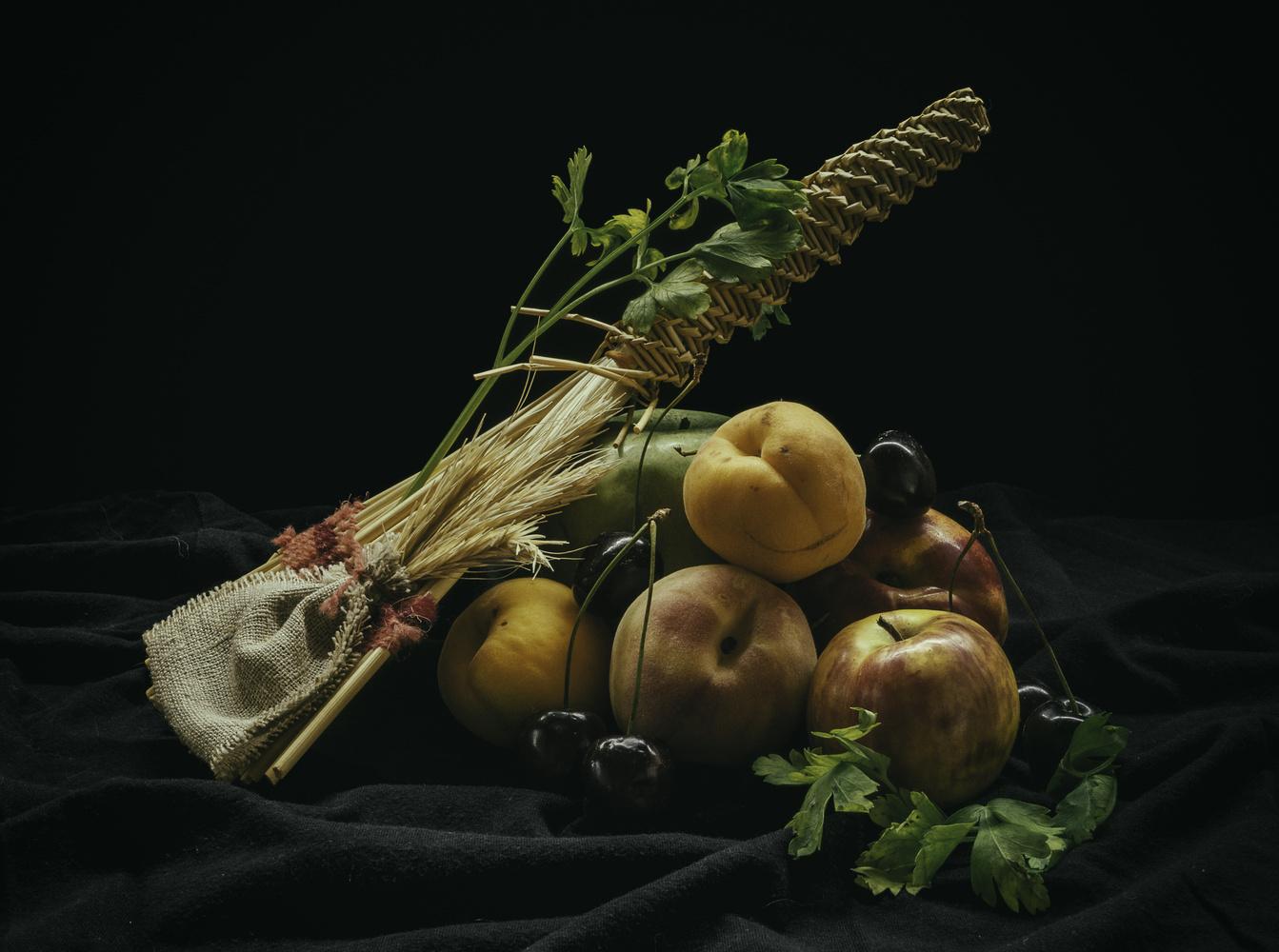 Fruit Naturmort by Kostya Levit Naddubov