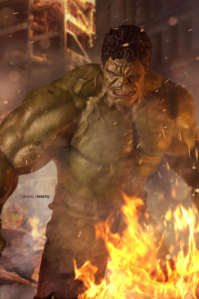 Hulk Smash by Pete Tapang
