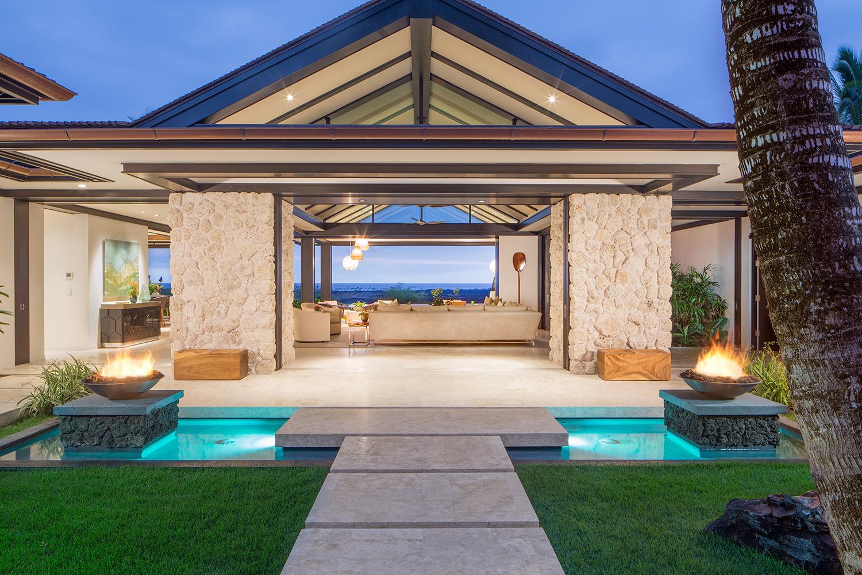 Hawaiian Entrance by Daniel L Miller