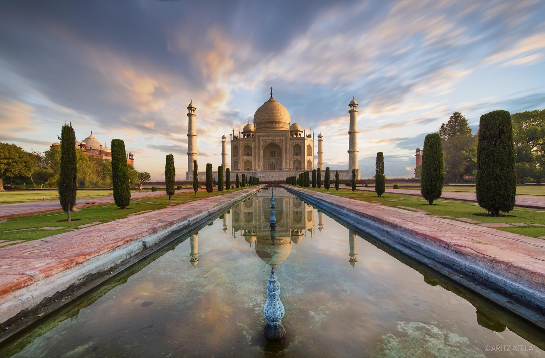 Stunning sunrise at The Taj Mahal by Aritz Atela