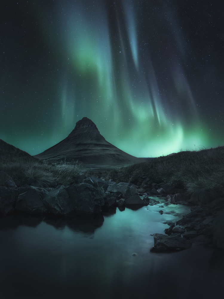 A Night on Earth by Aritz Atela
