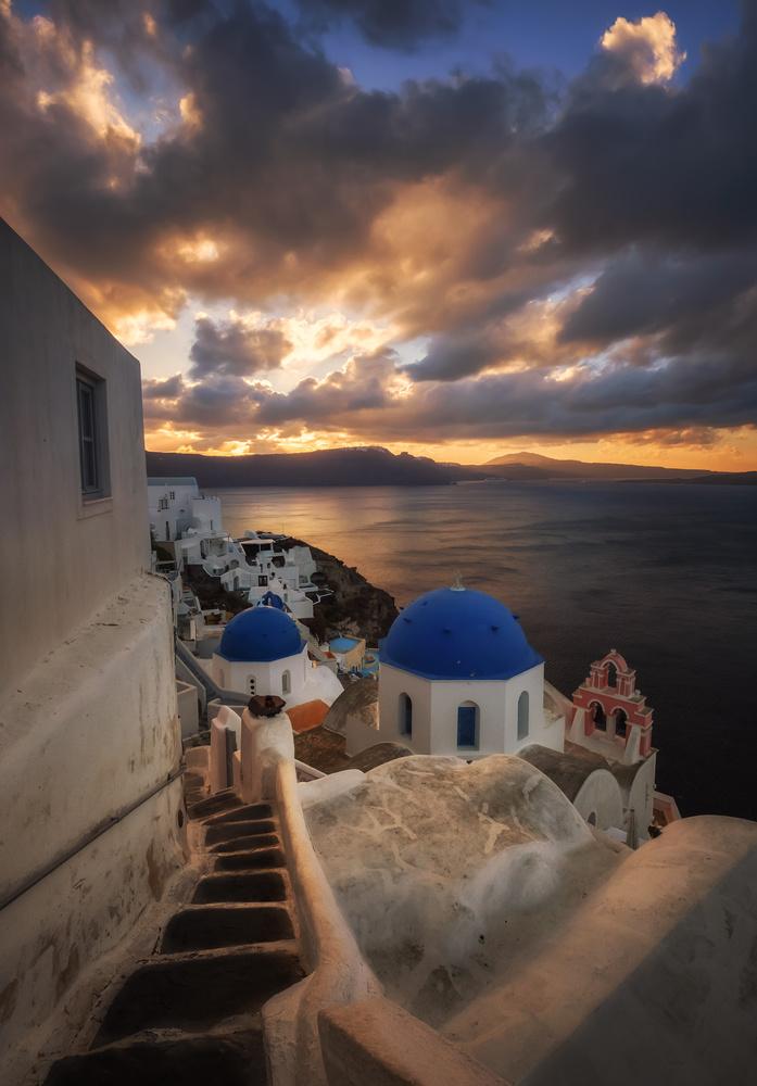 Dreamy sunrise in Oia by Aritz Atela