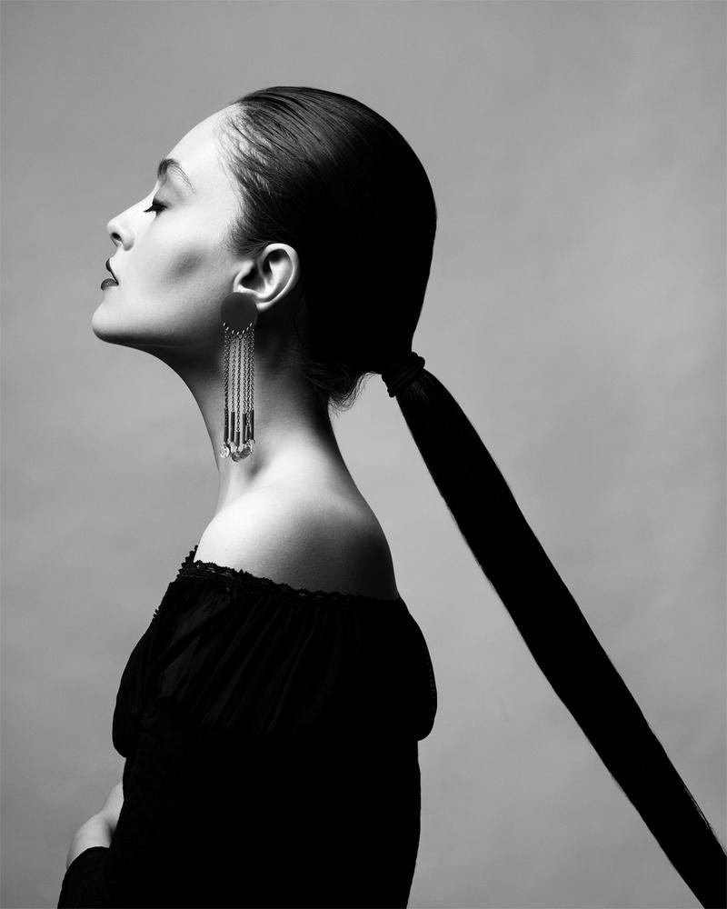 Black Swan by Babak Fatholahi