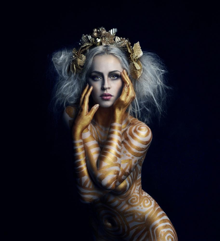 Moura by Jessica Truscott