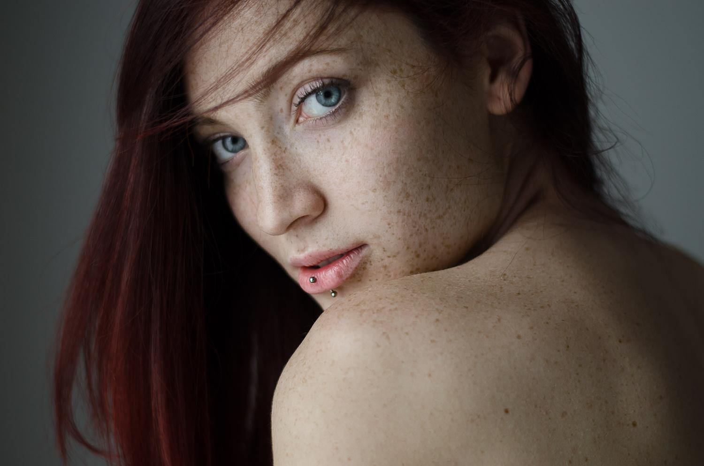 Laura by Leo Litvac