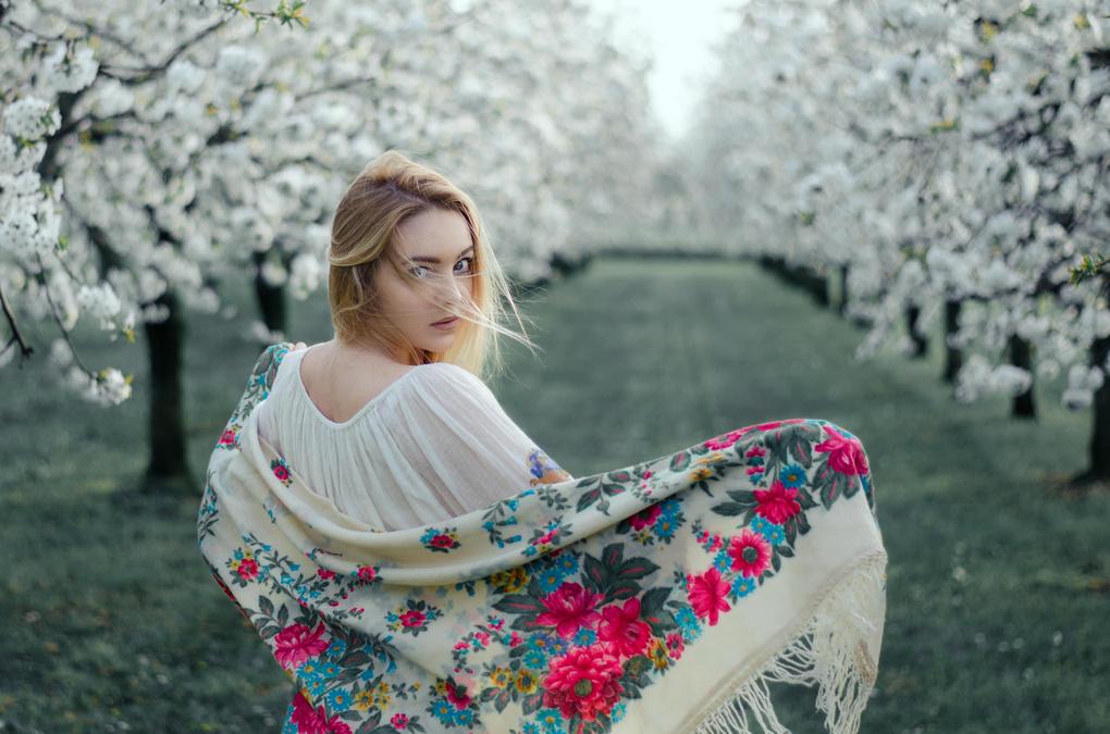 Spring breeze by Leo Litvac