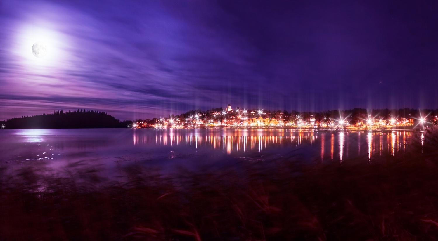 Full Moon Evening by Micke Holmberg