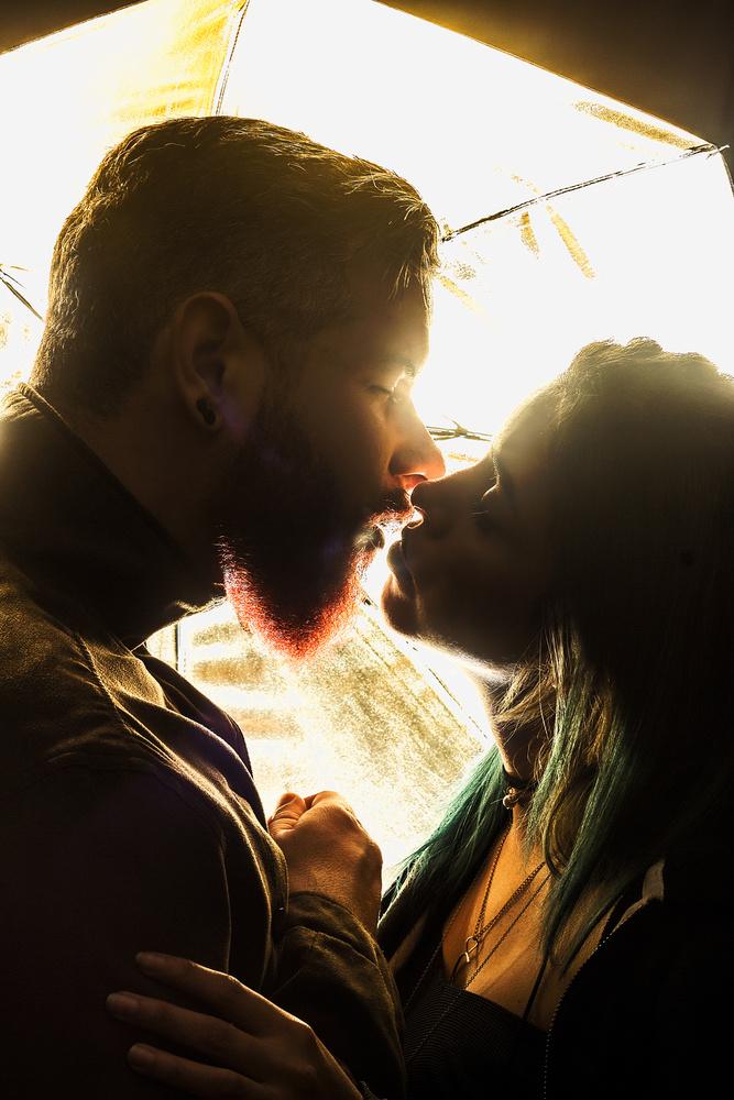 Kiss by Eduardo Velazco