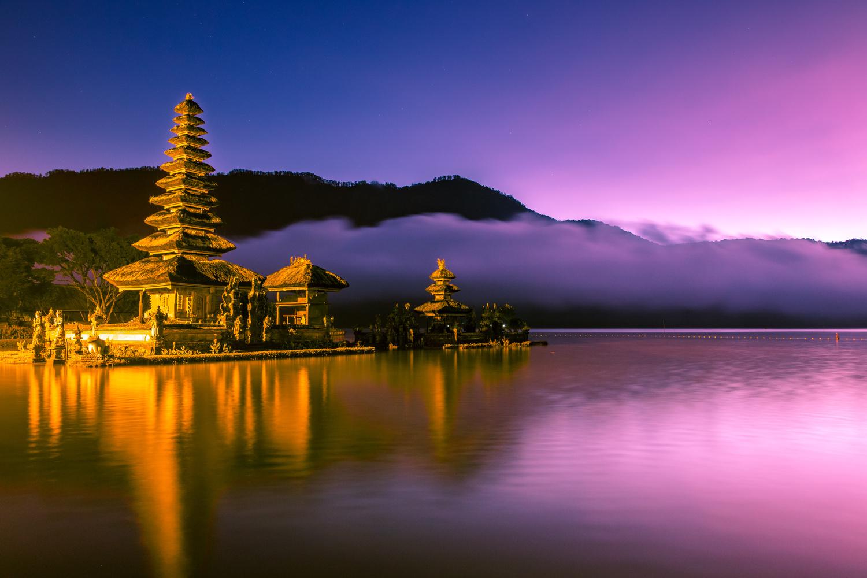 Ulun Danu Bratan Temple by Robert Smith