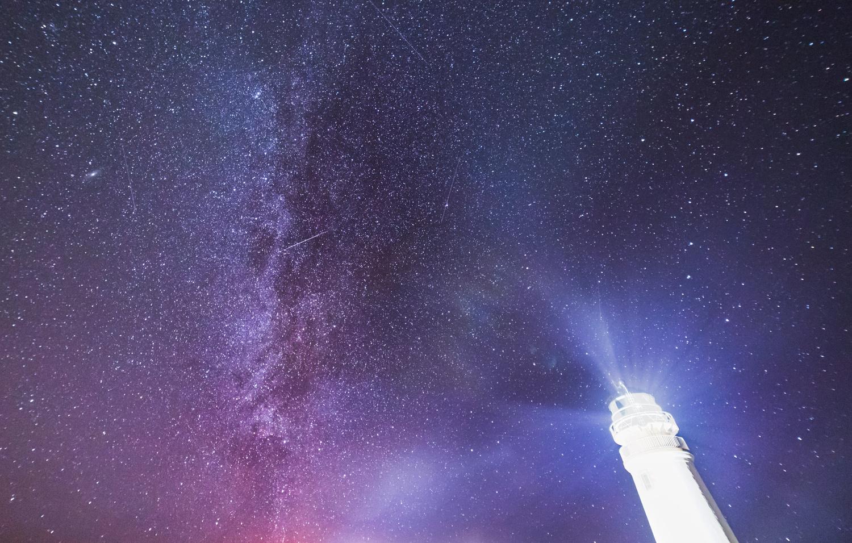 Tiumpan Head & The Milky Way by Robert Smith