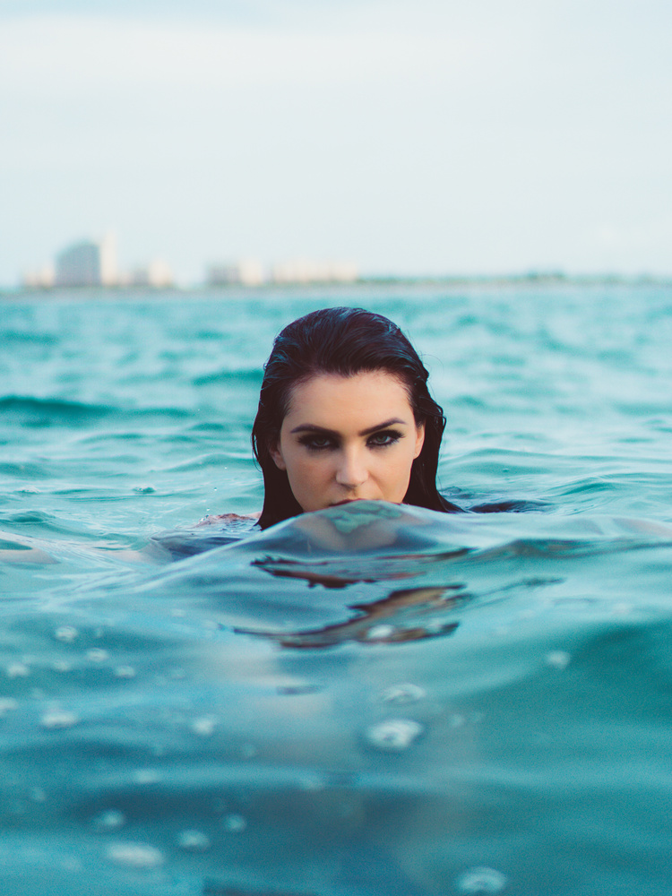 Siren in the Sea by Rodrigo Albarracin