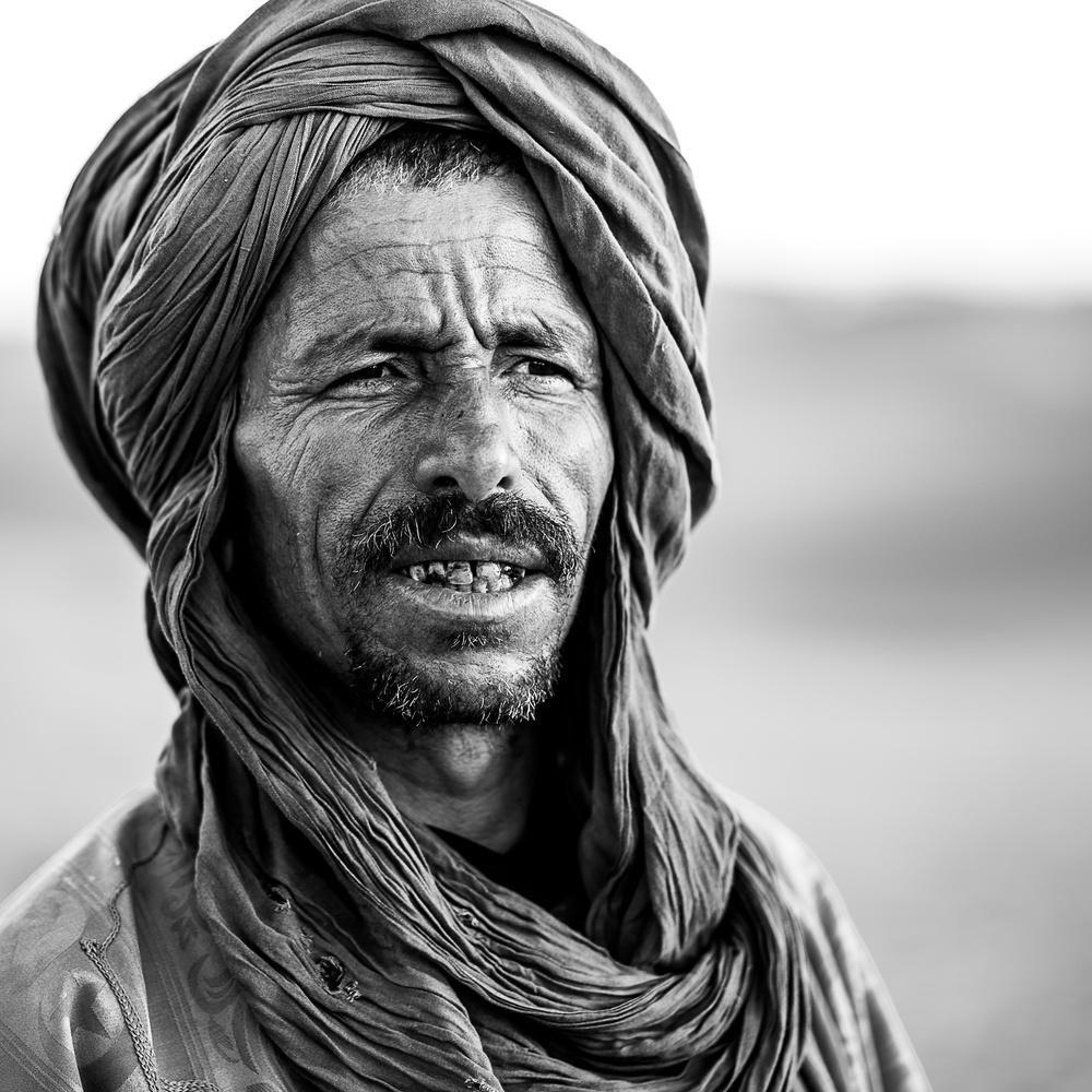 Sahara guide by Igor Pavlenko