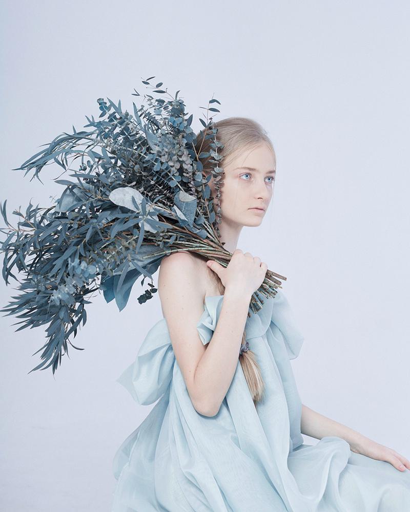 Queen of Flowers by Inna Mosina
