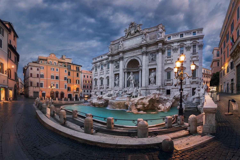 Fontana di Trevi  by Matteo Callisti