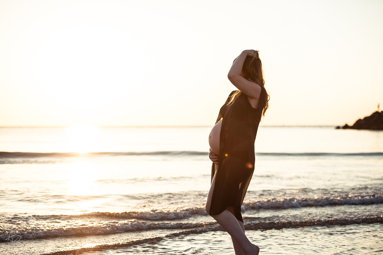 She's pregnant and beautifull by Ashwin De jong
