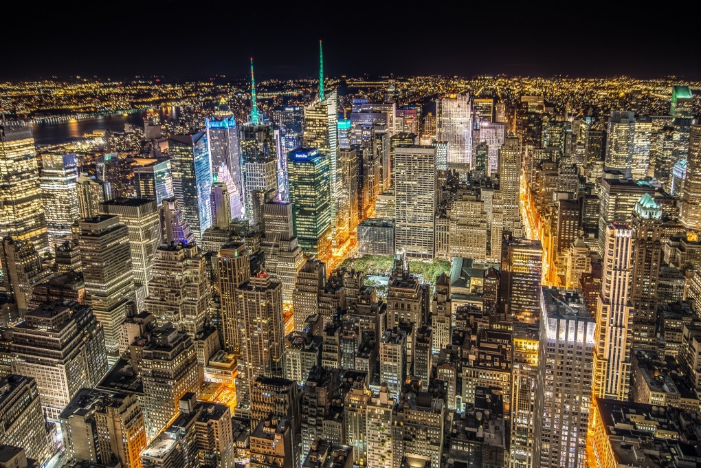 NYC skyline from the Empire State Building by Eric Bloemers