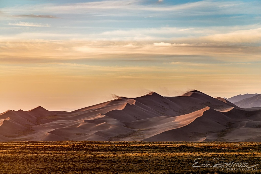 Blowing sands at the Great Sand Dunes national park by Eric Bloemers