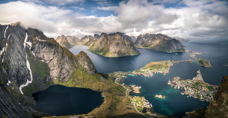 Lofoten panorama by Antoine Buchet