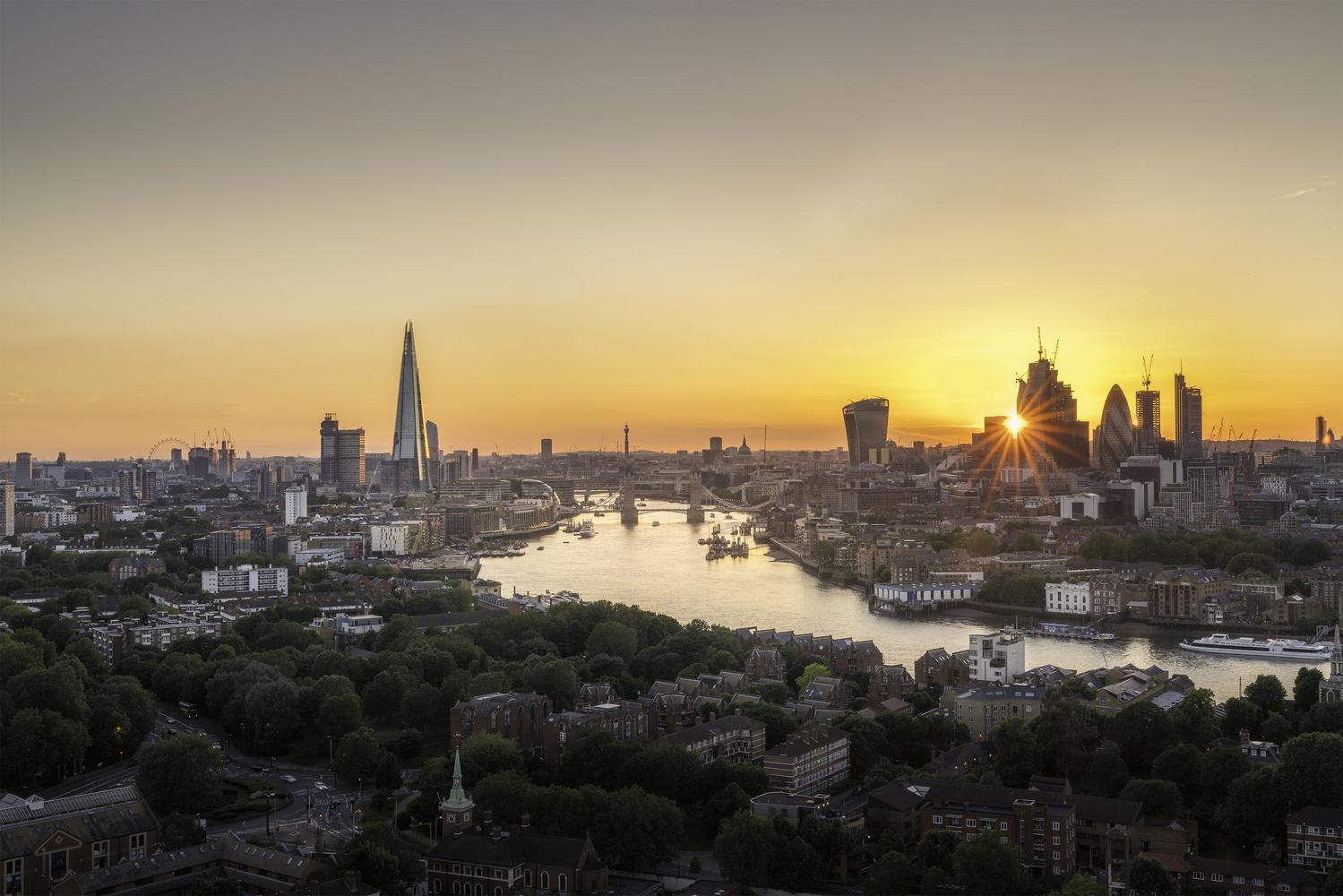 Good night London by Antoine Buchet