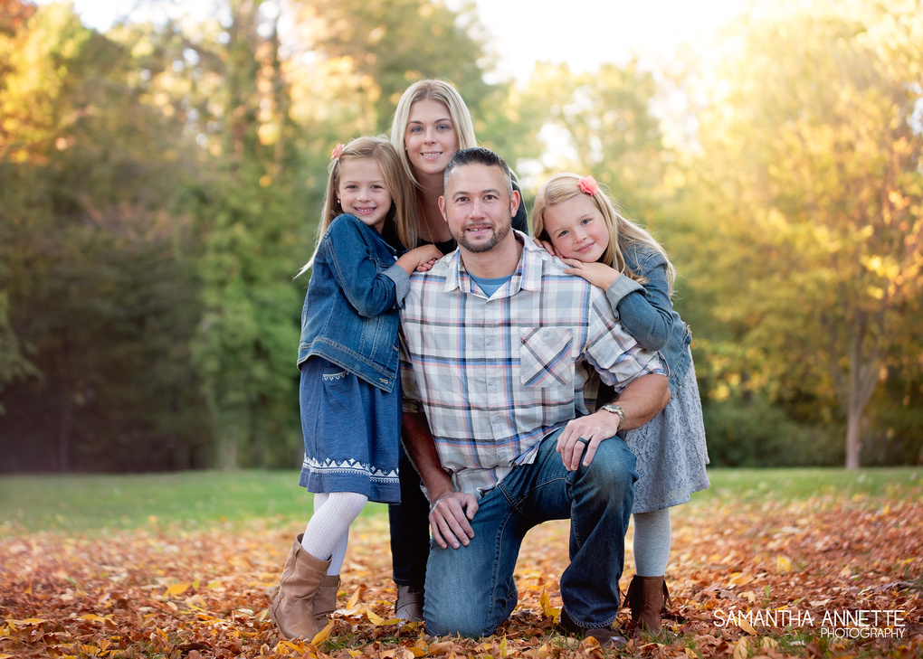 Fall Family Photo by Samantha Schannon