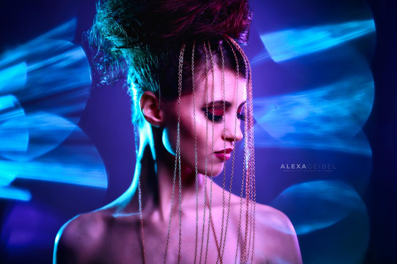 Chains by Alexa Geibel