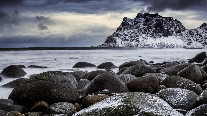 Uttakleiv in Lofoten by Annelin Hoff