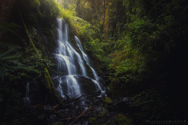 Rayen Falls by Francisco Mendez