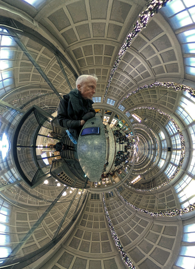Selfie at Stockholm Central Station ... by pelle piano