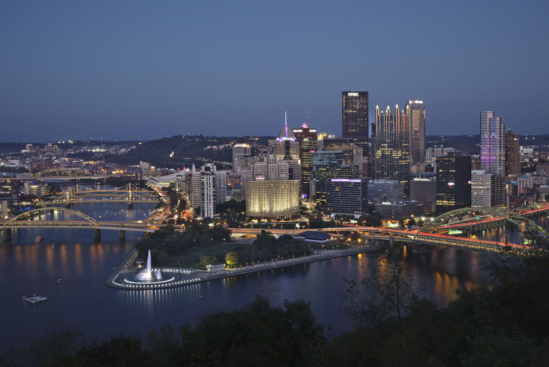 Pittsburgh skyline by Sander Knopper