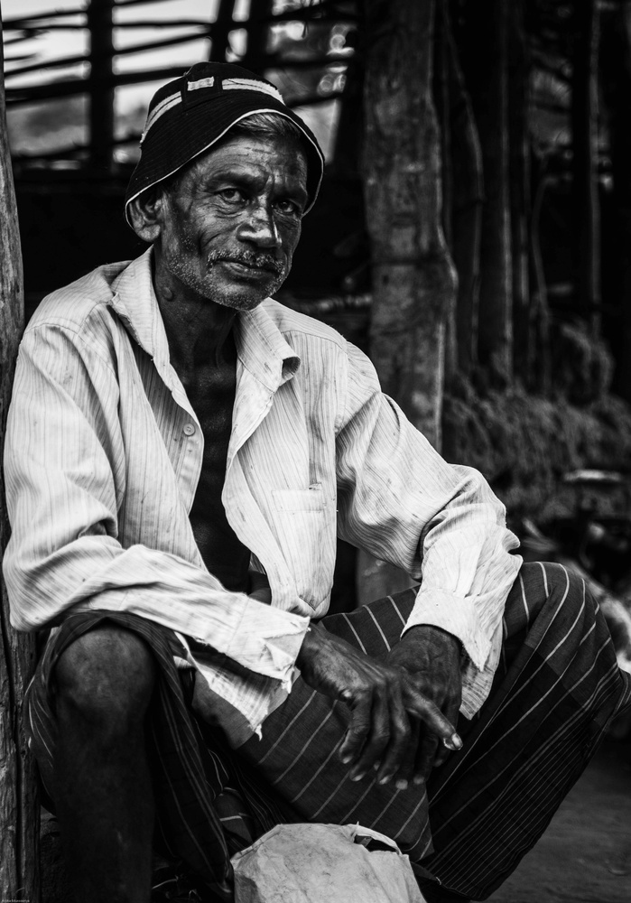 Traditional Farmer by Asoka Edussooriya