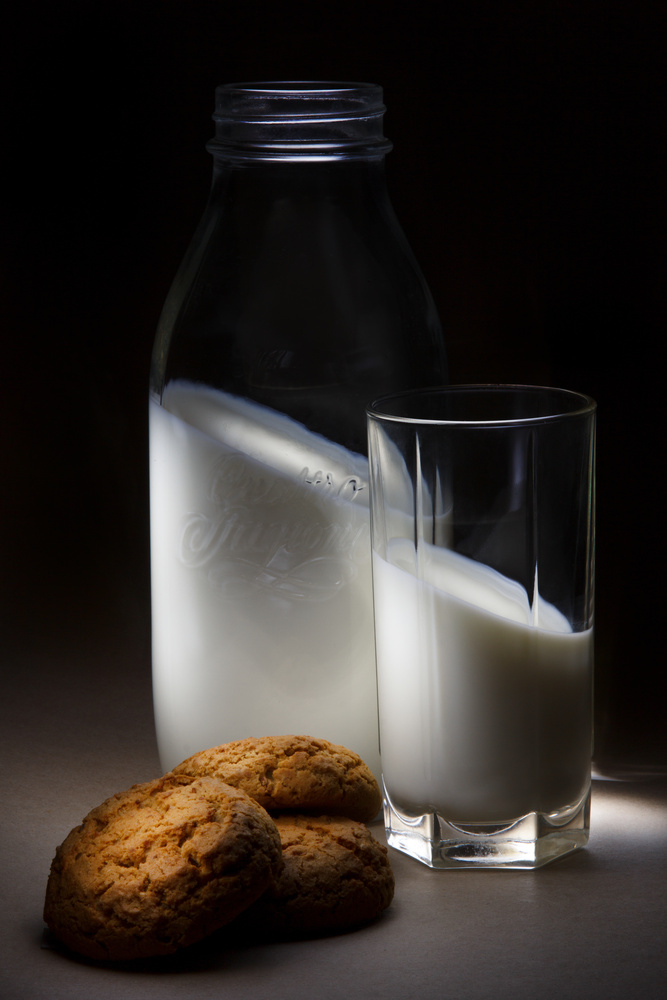 Milk vs. Gravitation by Andy Golov