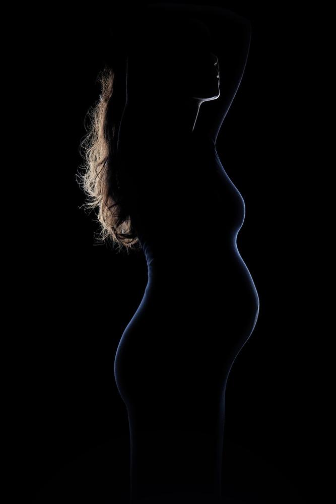 Shadow High light pregnant portrait. by Stanislas Dorange