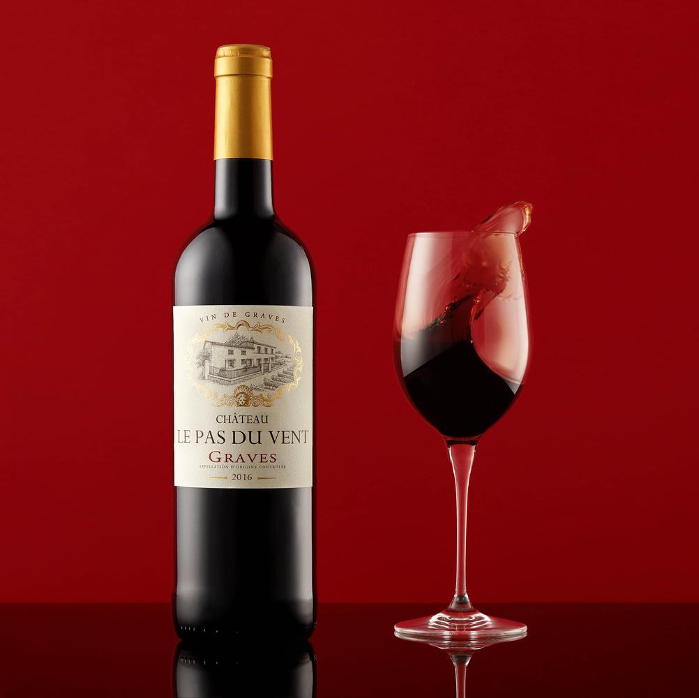 French red wine in the Wind by Stanislas Dorange