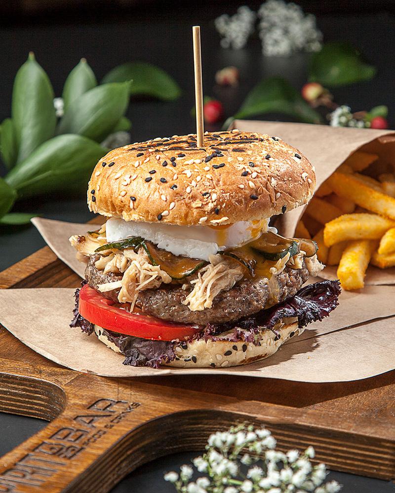 Burger by Juriy Kolokolnikov