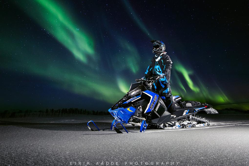 Midnight snow run by Eirik Aadde