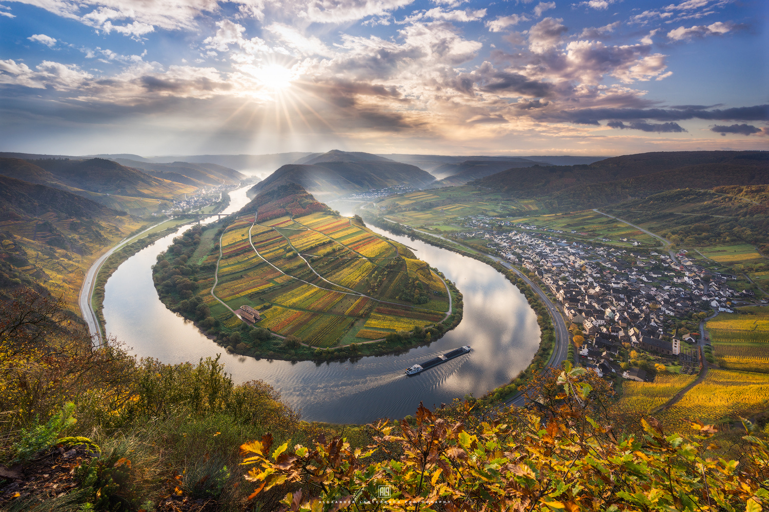 Moselle Bend by Alexander Lauterbach