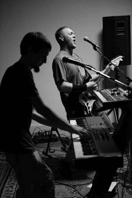 garage band by RICHARD PAIXAO