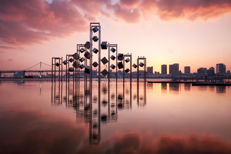 Scarlet Harumi Wharf by kevin nisperos