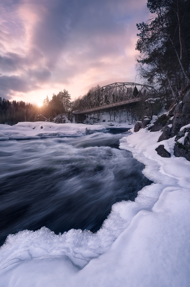 Frozen leading line by Hans Gunnar Aslaksen