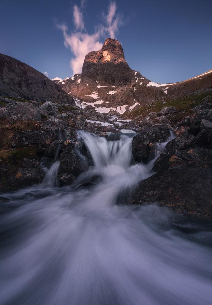 Romsdalen flow by Hans Gunnar Aslaksen