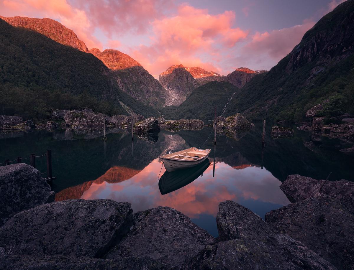 Last light at Bondhusvatnet by Hans Gunnar Aslaksen