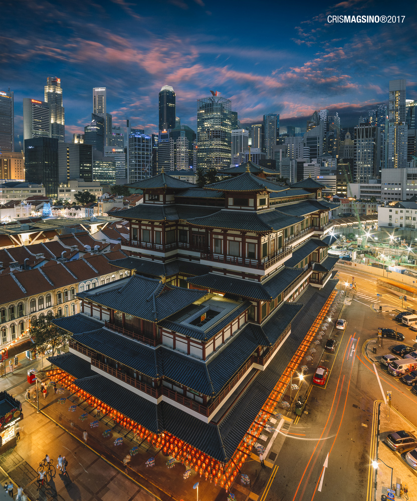 Buddha Tooth Relic Temple by Cris Magsino