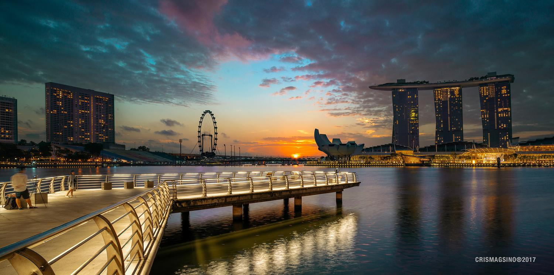 Singapore Sunrise by Cris Magsino