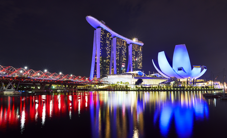 Singapore by Florian Wegele