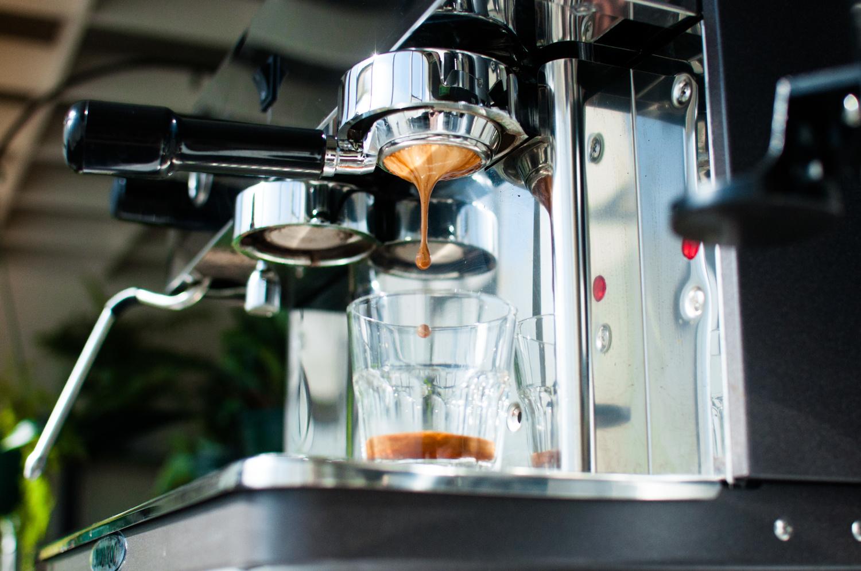 Ping-Coffee Mojo by Daniel De Wit