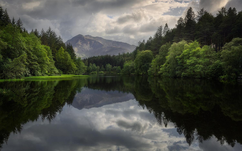 Glencoe Lochan by Andrzej Muzaj