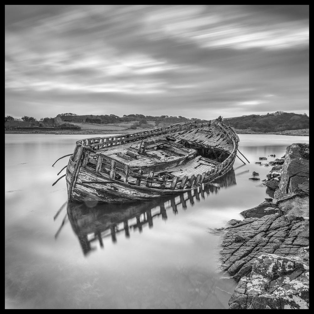 Mull Wreck by Ian Pinn