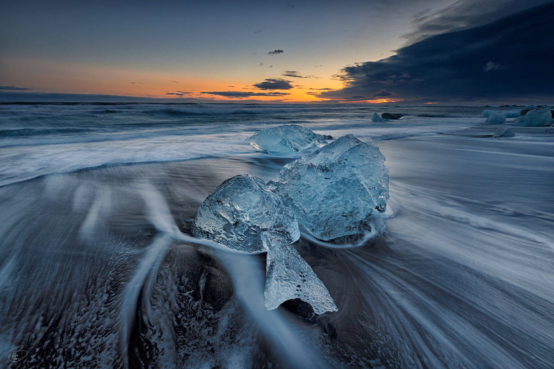 Ice on the beach by Bragi Kort