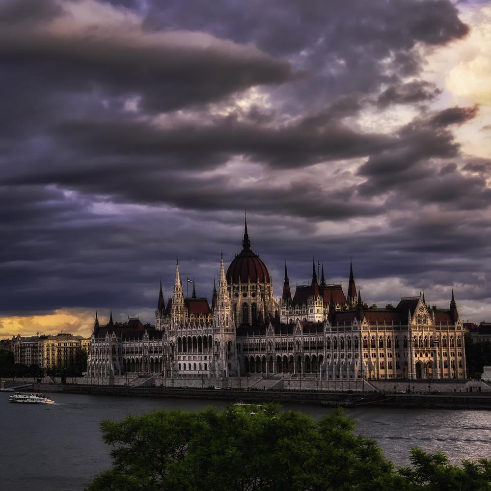 Parliament in Budapest by Gergő Kardos